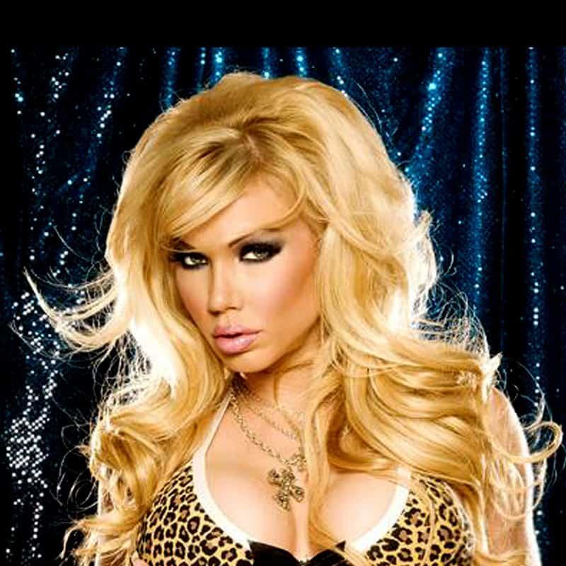 MOdel Angie Savage, das blonde Model