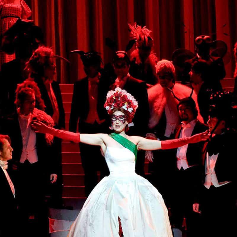 Szene aus einer Oper mit Sonja Gornik in der Hauptrolle